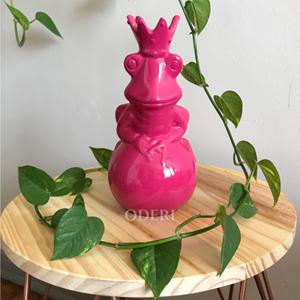 Sapo Encantando Rosa - Cerâmica com acabamento em veludo