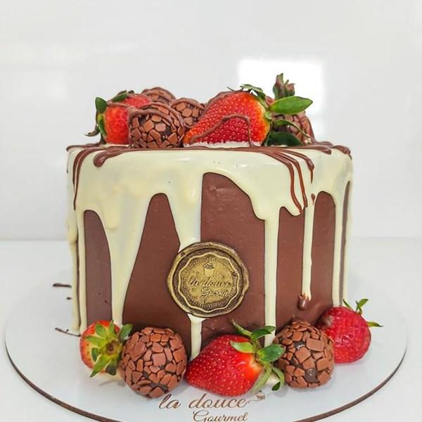 Bolo chocolatudo aro 16