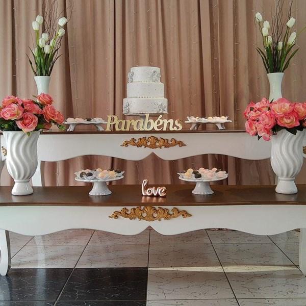 Aluguel,Composê de mesas ornamentais branca, conhaque com detalhes em dourado